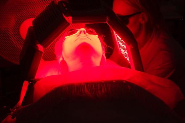 Фотодинамическая терапия для лица